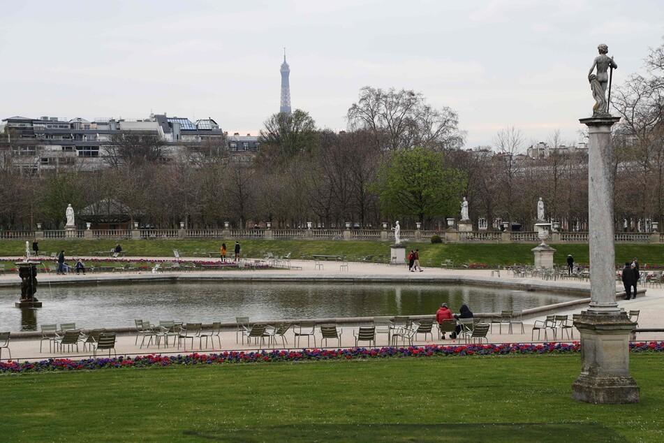 In Paris sind kaum noch Menschen auf der Straße.