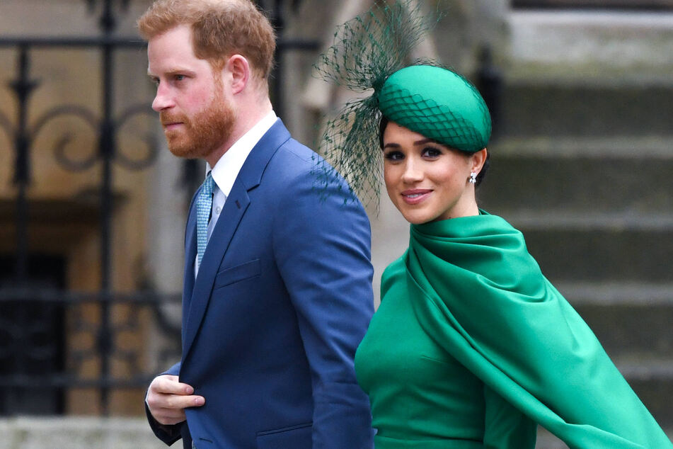 Prince Harry (36) and Duchess Meghan Markle (39) split form the royal family and moved to California.