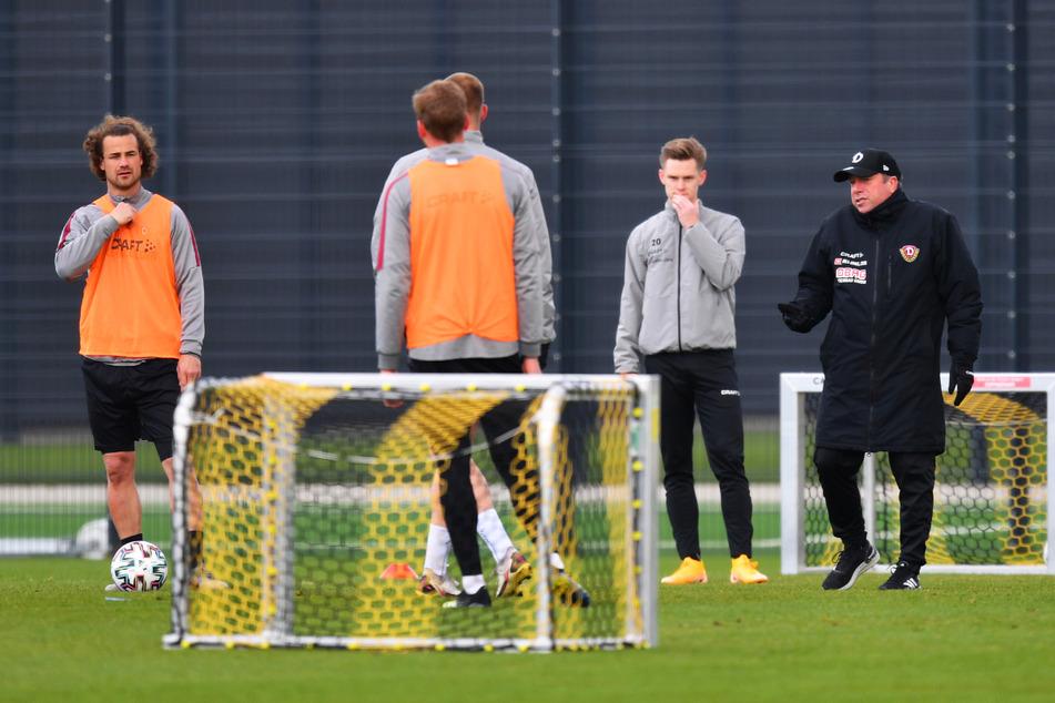 Für Dynamo Dresden könnte es bereits am Mittwoch mit dem Mannschaftstraining weitergehen.