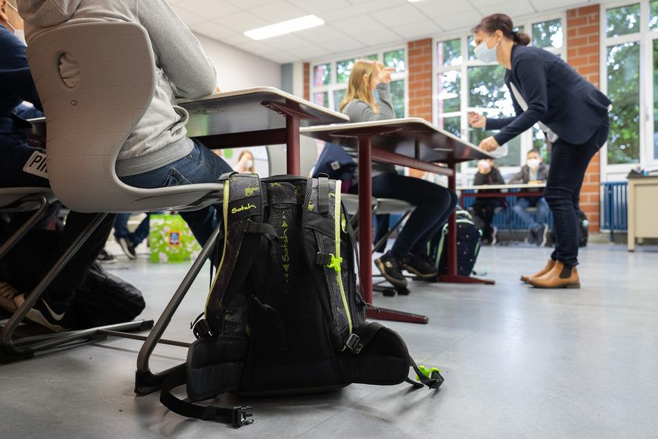 Sachsen ist nach Einschätzung der Bildungsgewerkschaft GEW besser als im vergangenen Jahr für den Schulstart gerüstet - aber nicht gut genug.
