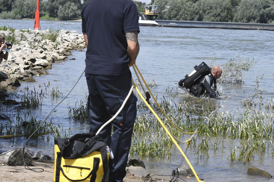 Stundenlang wurde nach den beiden vermissten Mädchen (13, 14) im Rhein gesucht. Nun wurden sie offenbar tot in den Niederlanden gefunden.