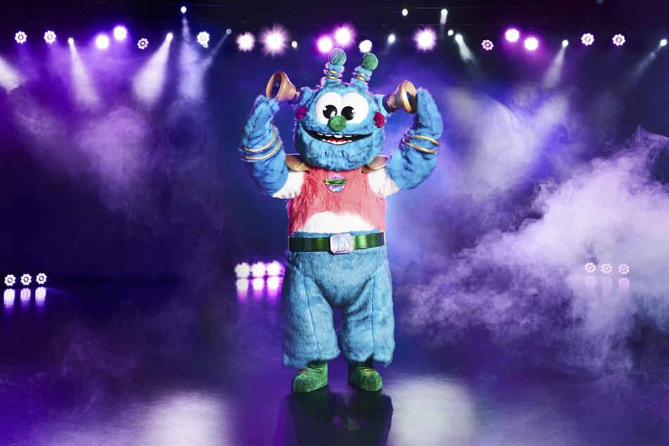 """Die Figur """"Das Alien"""" steht in der Prosieben-Show """"The Masked Singer"""" auf der Bühne. Die neue Staffel beginnt am 20.10.2020 bei ProSieben."""