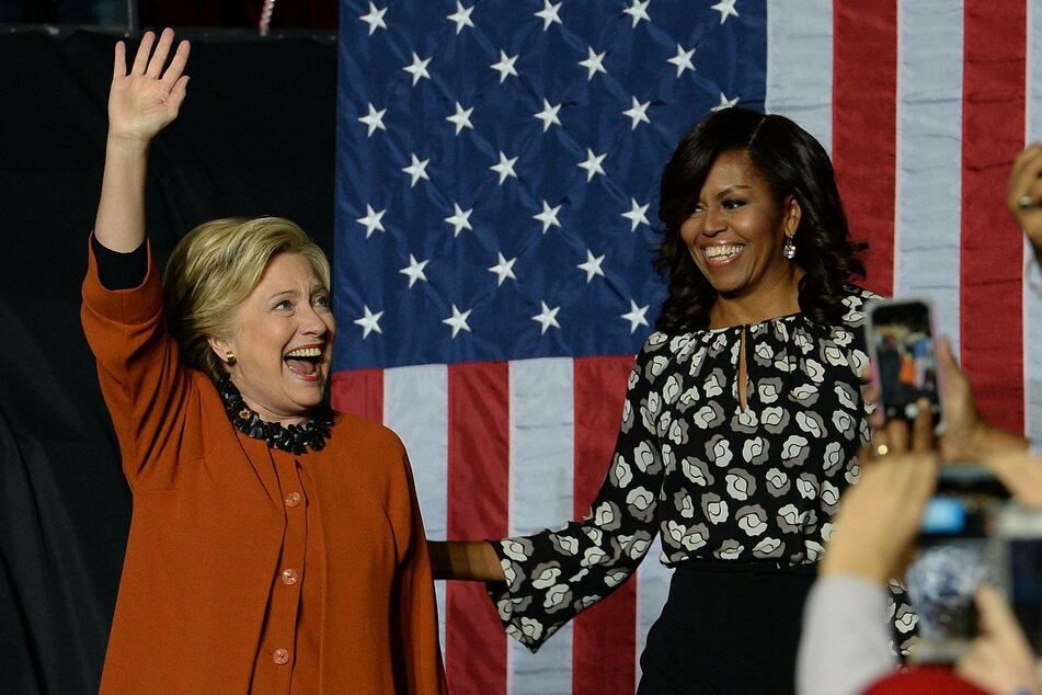 Many women came to Jill Biden's defense, including former Secretary of State Hillary Clinton (l.) and former First Lady Michelle Obama (archive photo).