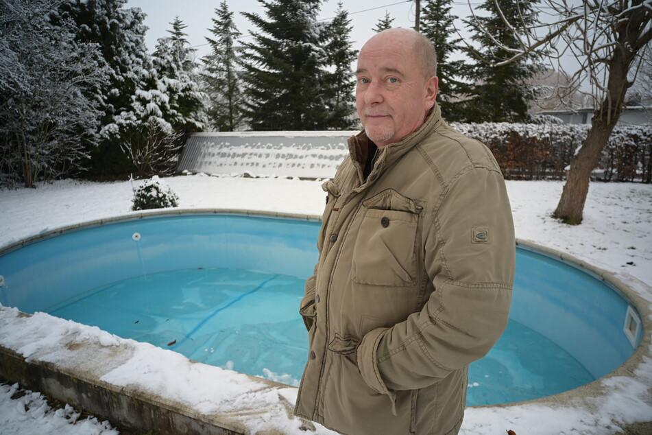 Erik Heber (59) stellte der Feuerwehr seinen Garten-Pool zur Verfügung.