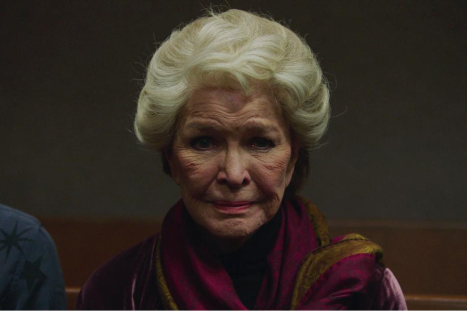 """Ellen Burstyn überragt als Marthas Mutter Elizabeth. Obwohl ihre Rolle nicht gerade sympathisch ist, hat man auch für sie ein grundlegendes Verständnis. Bekommt sie dafür eine geschichtsträchtige """"Oscar""""-Nominierung?"""