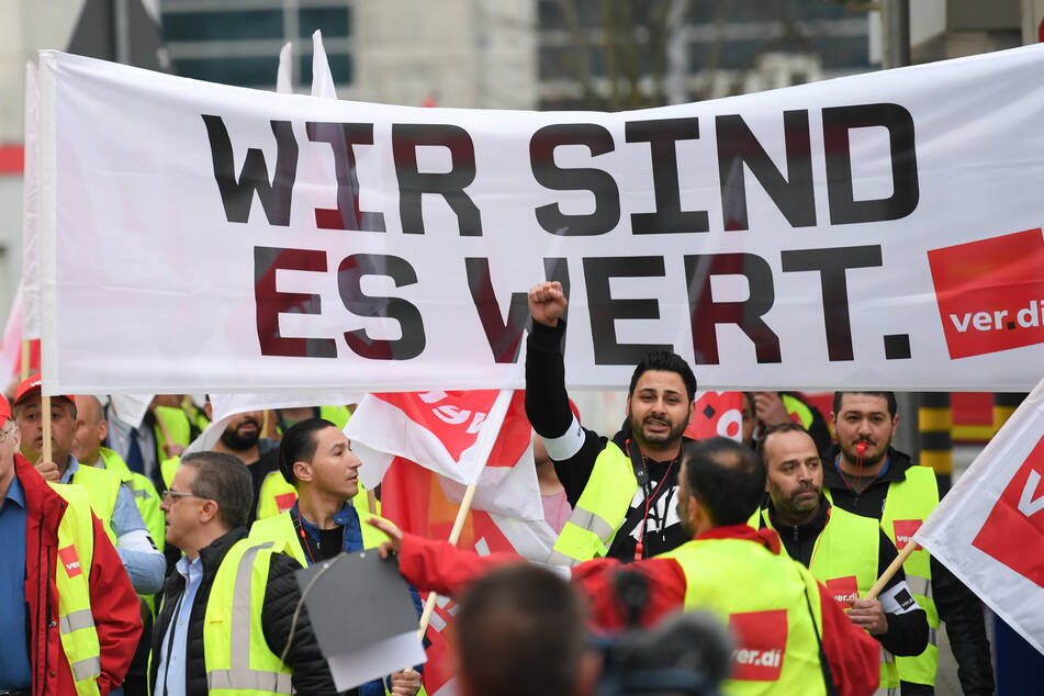 Nächster Warnstreik in Hessen: Öffentlicher Dienst legt Arbeit für mehr Lohn nieder