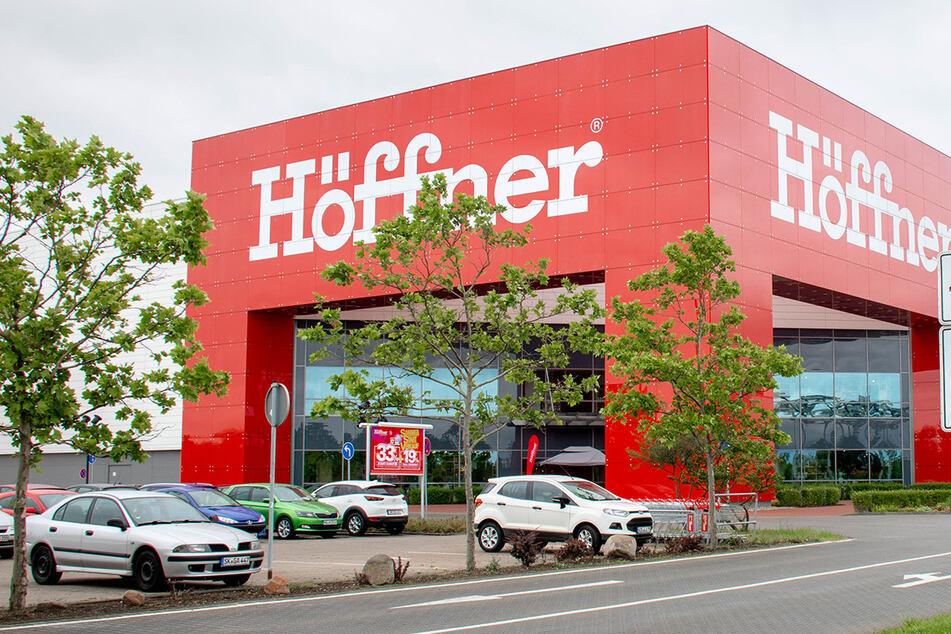 Bis Montag (30.11.) läuft bei Möbel Höffner diese krasse Aktion in 23 Städten