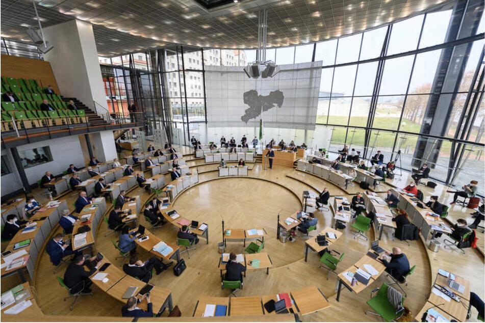 Die sächsische Regierung will am Dienstag über die Verlängerung der Corona-Regeln abstimmen.