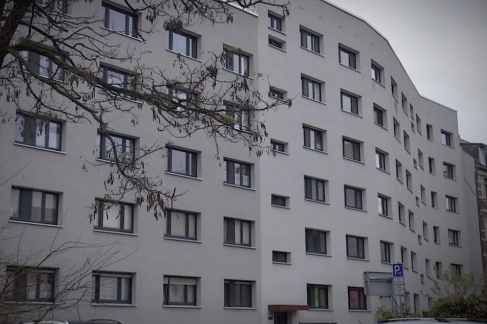 Über ein Fenster war der junge Mann ins Erdgeschoss eines Hauses in Halle eingebrochen und hatte die Sechsjährige entführt.