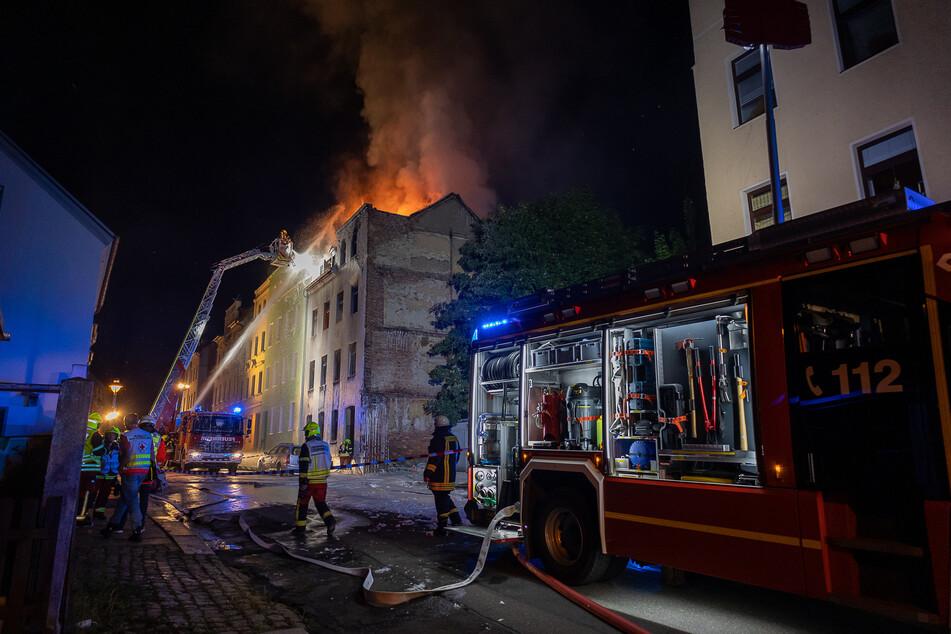 Der Einsatz von Feuerwehr und Polizei dauerte noch bis zum Sonntagmorgen.