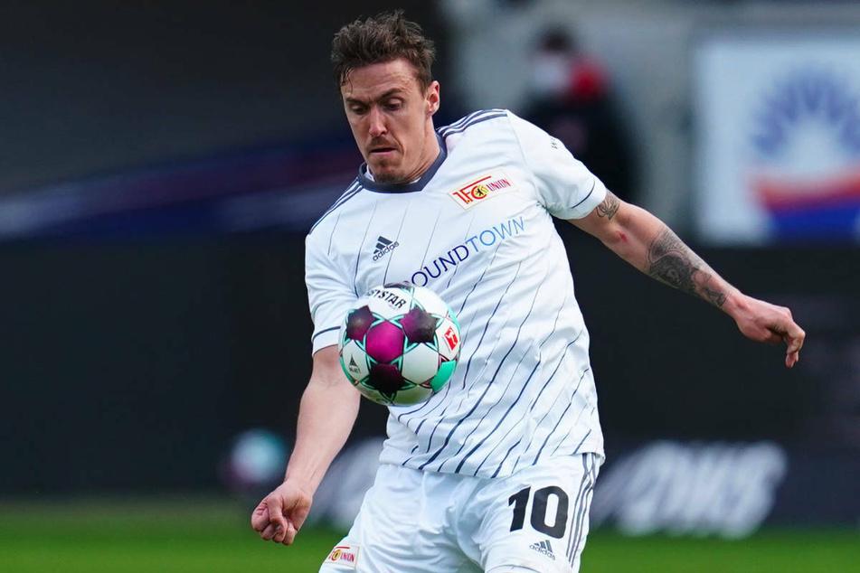 Union-Berlin-Star-Stürmer Max Kruse (33) hat bei der Streaming-Plattform Twitch über den Bundesliga-Rivalen FC Schalke 04 gelästert.