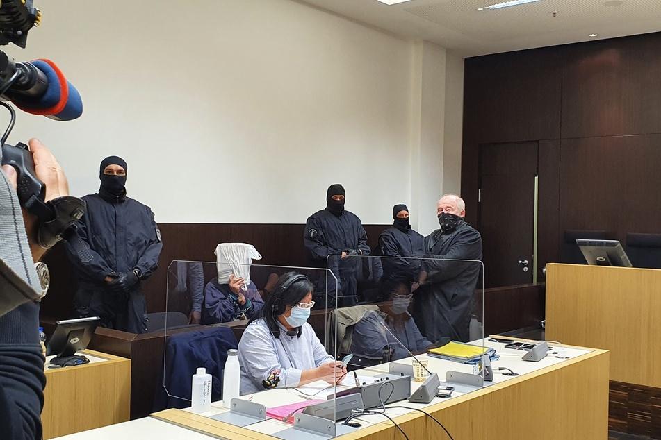 Verurteilter Dreifachmörder muss erneut vor Gericht