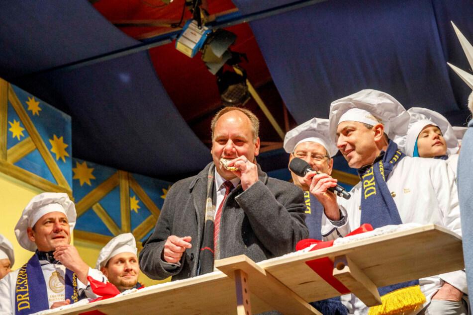 Stadtchef Hilbert auf der Striezelmarkt-Bühne.