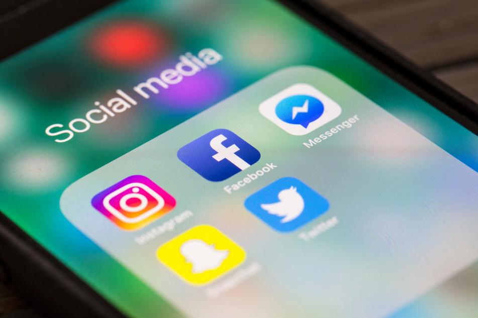 An Schulen müsse mehr über Soziale Medien aufgeklärt werden, findet Hubert Aiwanger.