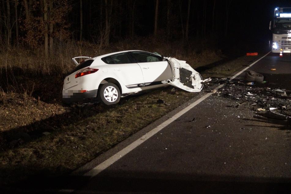 Ein 57-Jähriger ist am Montagabend bei einem Autounfall in Sachsen-Anhalt verstorben.
