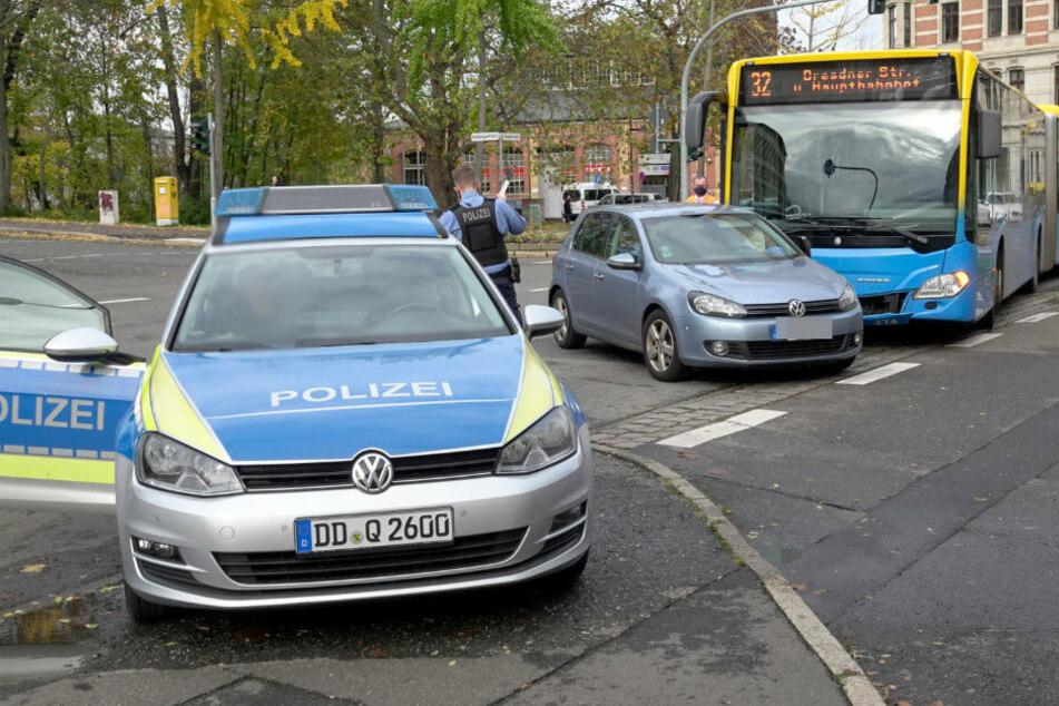 Crash in Chemnitzer City: Auto kracht mit Bus zusammen