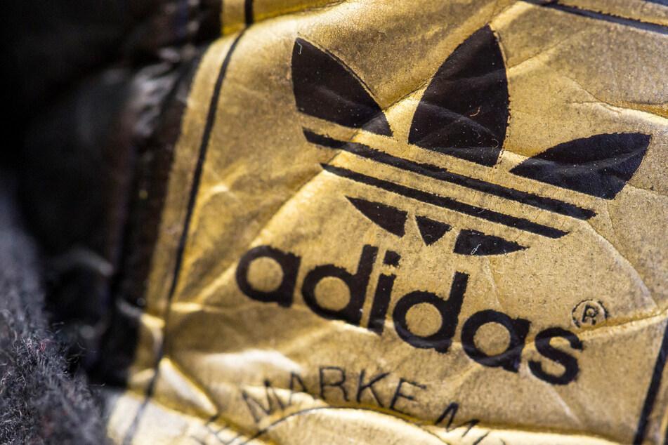 Adidas erwartet nach einem Umsatz- und Gewinnrückgang im vergangenen Jahr wieder ein kräftiges Wachstum.