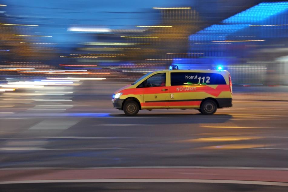 Eine 21-Jährige wurde in Zwickau von einem Unbekannten verletzt. (Symbolbild)