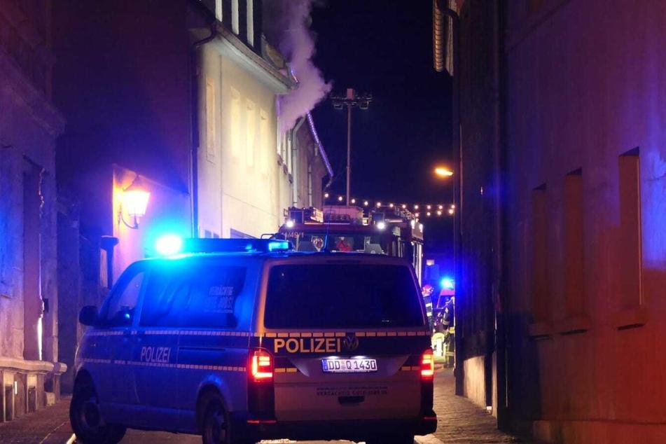 Das Feuer brach in einem leerstehenden Mehrfamilienhaus aus.