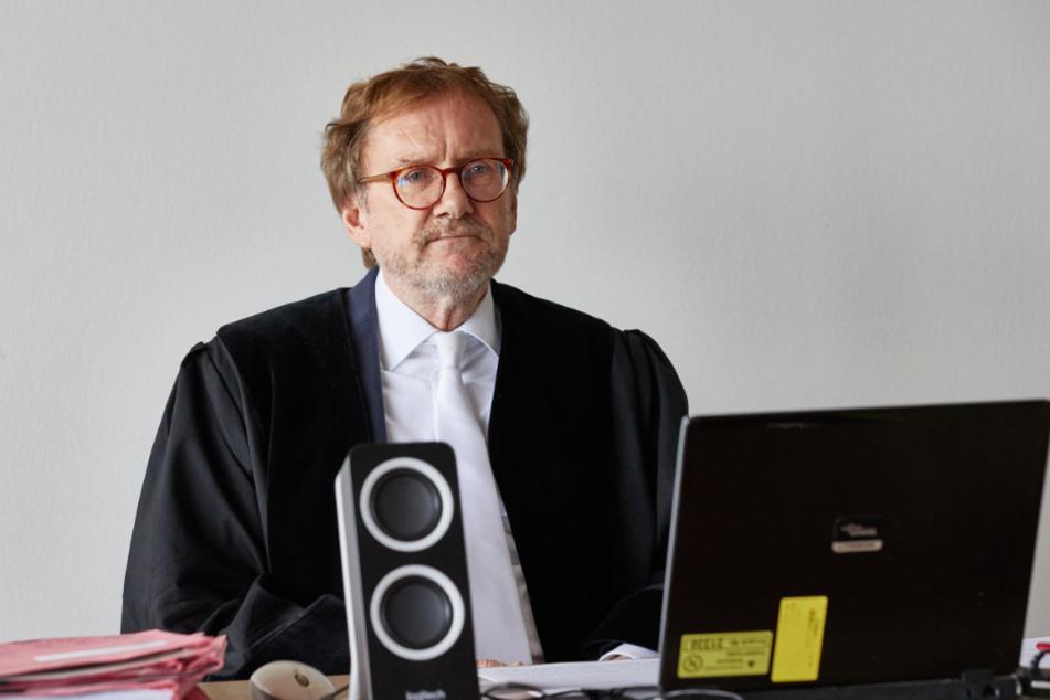 Amtsrichter Johann Krieten führt den Prozess gegen Gzuz.