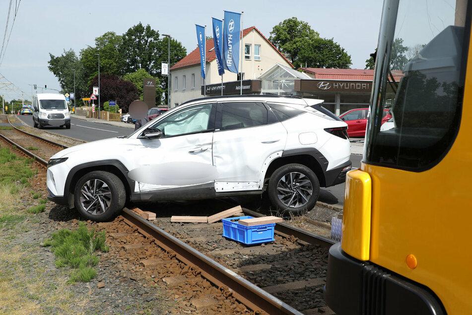 Der weiße Hyundai trug sichtliche Beschädigungen davon.