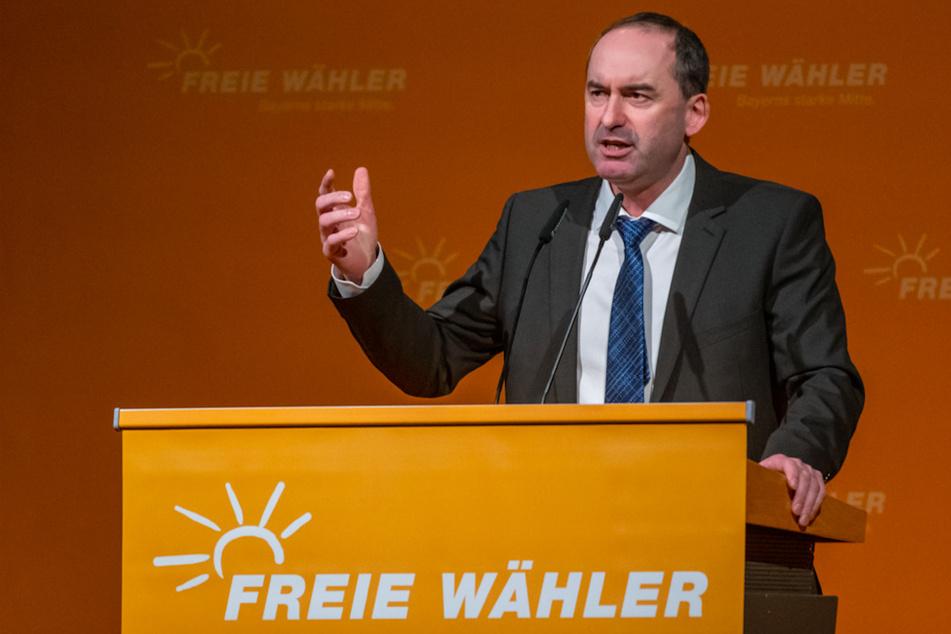 Hubert Aiwanger (50), Vorsitzender der Freien Wähler und bayerischer Wirtschaftsminister, will nicht klein beigeben.