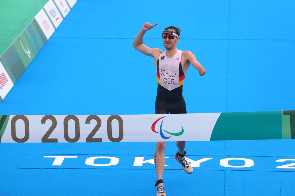 Triathlet Martin Schulz (31) holte bei den Paralympics die erste Goldmedaille für Deutschland.