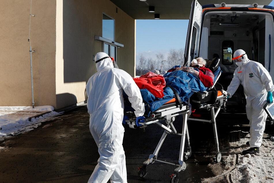 Tschechiens Krankenhäuser sind wegen Corona voll, Deutschland soll helfen