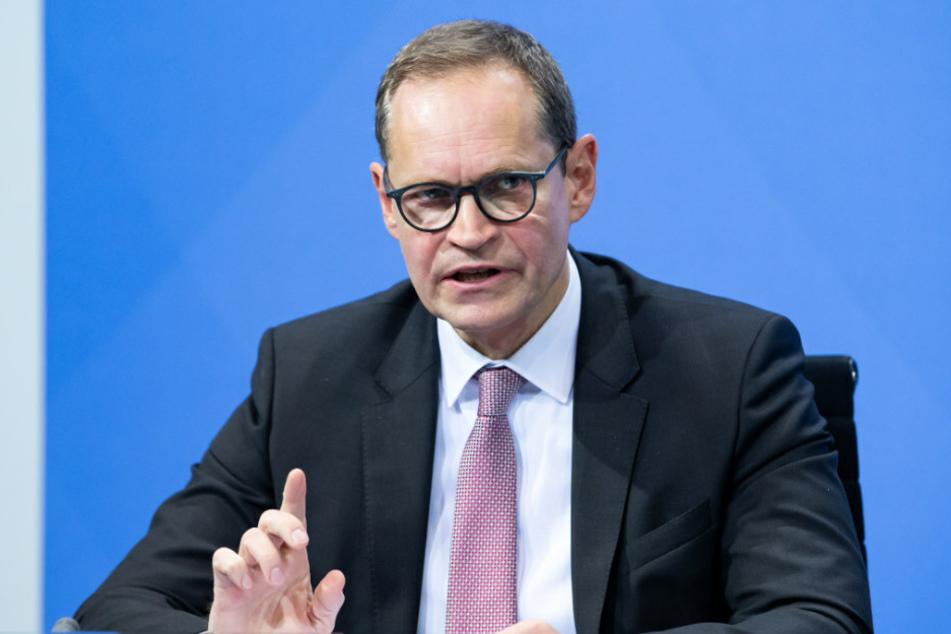Berlins Regierender Bürgermeister Michael Müller (56, SPD) rechnet damit, dass auch nach dem Ende des Lockdowns am 10. Januar weitere einschränkende Corona-Maßnahmen auf die Bevölkerung zukommen werden.