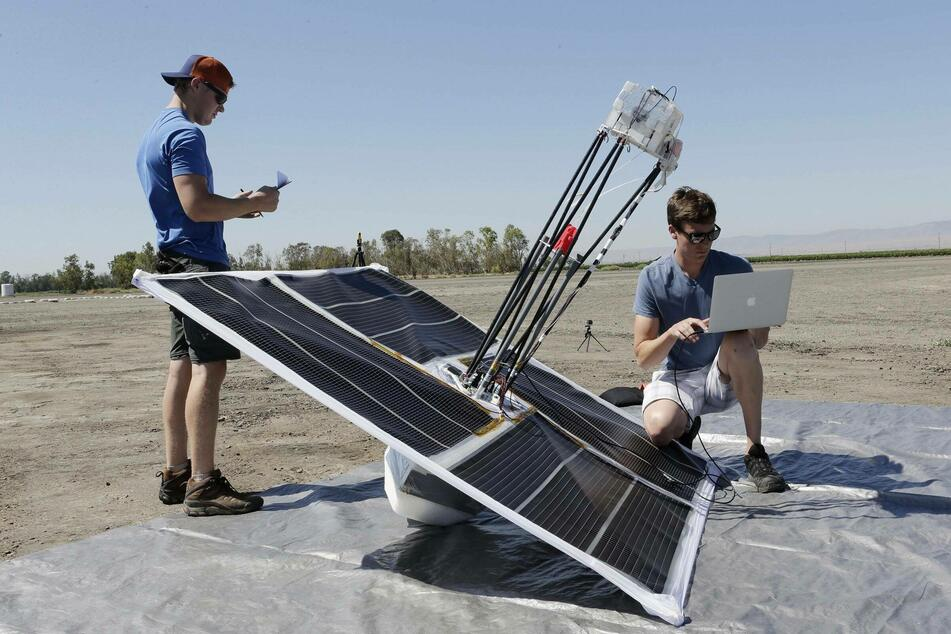 Researchers make their final preparations before launching a high-altitude balloon into the skies (archive image).