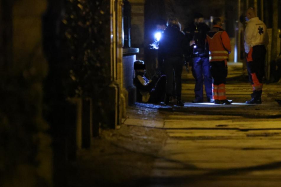 Leipzig: Einsatz am Leipziger Clara-Park: 19-Jähriger verletzt auf Flucht zwei Polizisten
