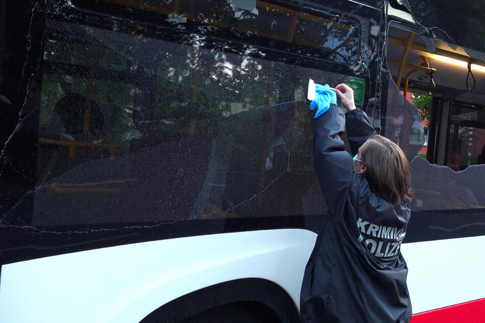 Schüsse auf zwei Busse: Hochbahn setzt Belohnung für Hinweise aus