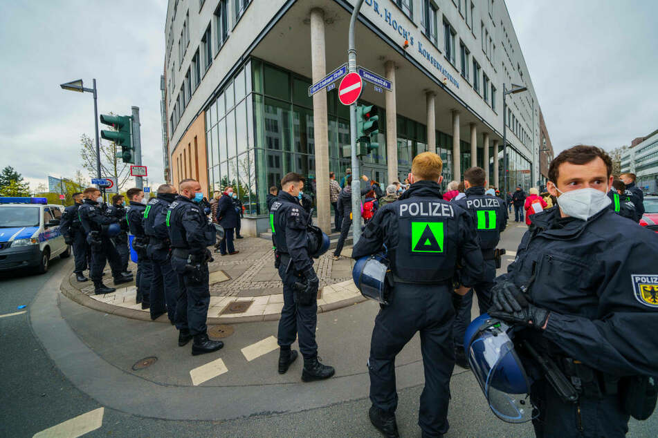Frankfurt: Nach Absage von Kundgebung: So verlief Querdenker-Demo in Frankfurt