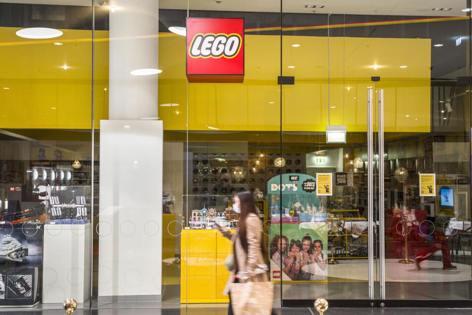 Geschlossen war das Geschäft des dänischen Spielzeugherstellers Lego in der Frankfurter Innenstadt.