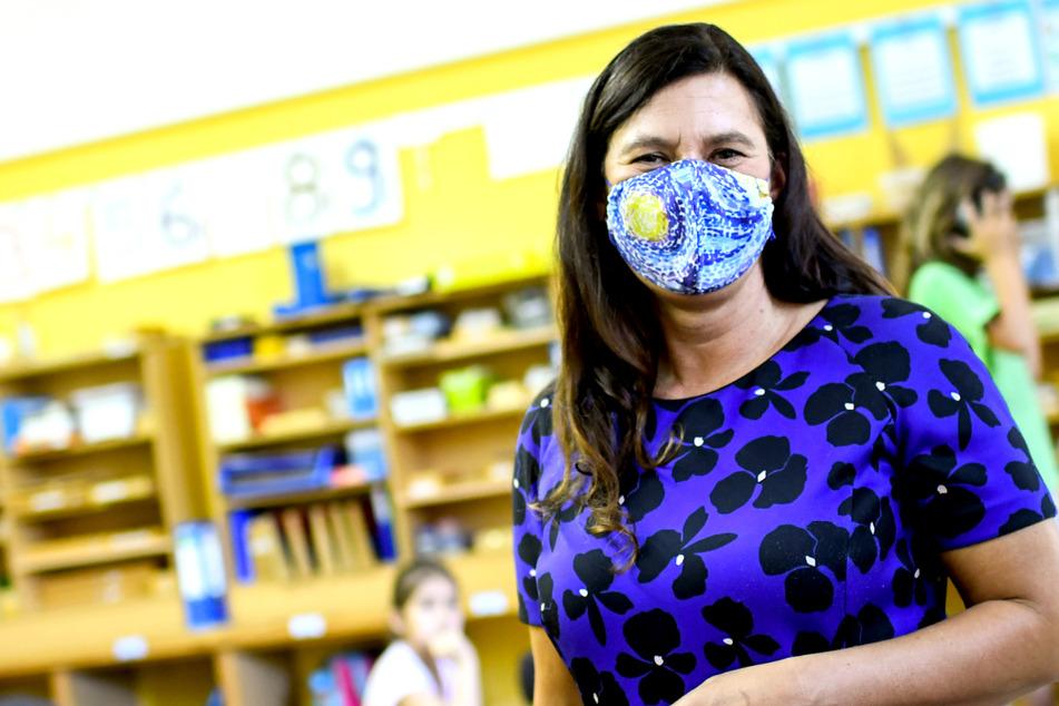 Laut Bildungssenatorin Sandra Scheeres (50, SPD) sind bereits die ersten Corona-Selbsttests für Berlins Schulen und Kitas angekommen.