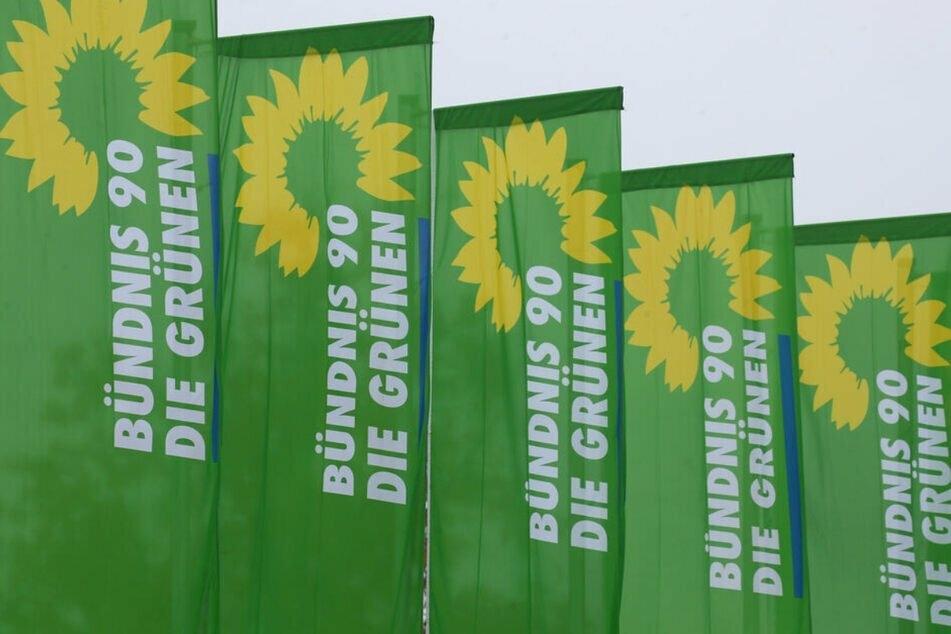 Ein Tag vor der Bundestagswahl wurde eine Grünen-Wahlkämpferin mit einem rohen Ei beworfen. Am Dienstag stand der Täter vor Gericht und wurde verurteilt. (Symbolbild)