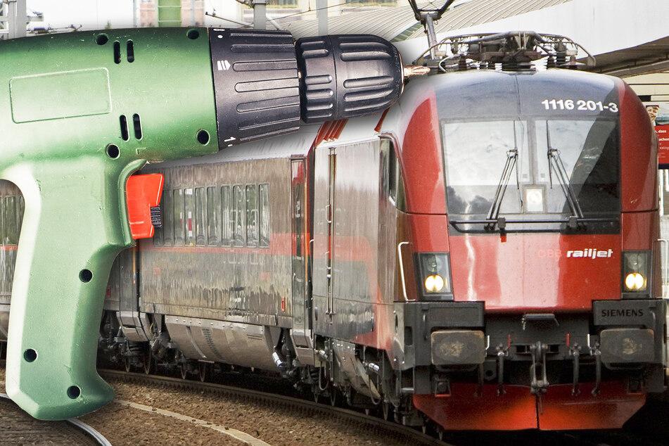 Mann dreht im Zug durch und bedroht Reisende auf skurrile Weise