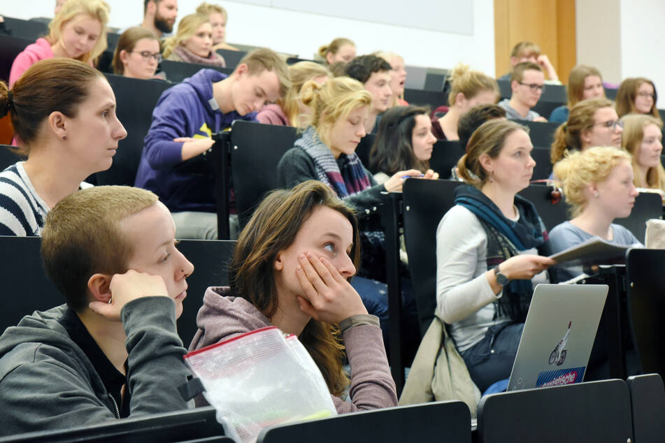 Wird auch an der Leipziger Uni die Regelstudienzeit verlängert werden?