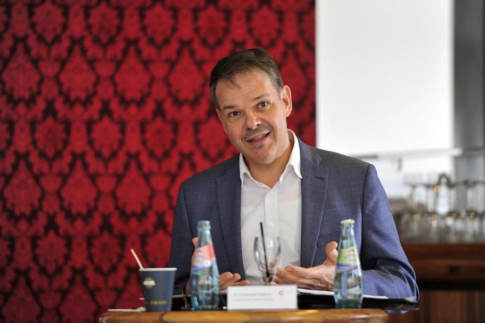 Generalintendant Dr. Christoph Dittrich (54).
