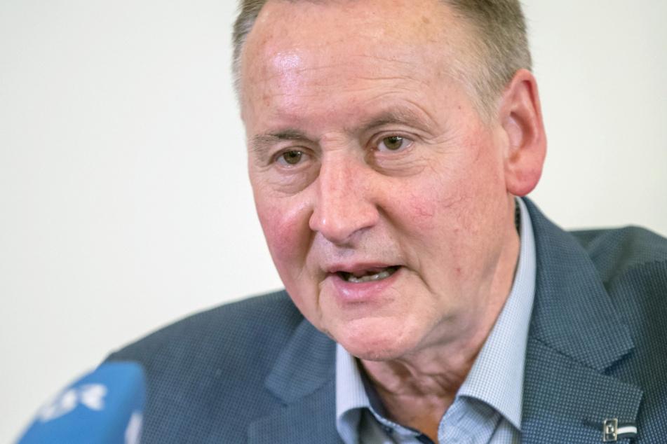 Fürth-OB Thomas Jung hat sich für eine vorsichtige Lockerung der Coronavirus-Regeln in Teilen Bayerns ausgesprochen.
