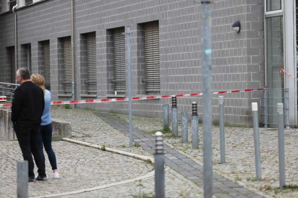 Rund um den Fundort des Päckchens wurde das Gelände des Arbeitsamts abgesperrt.