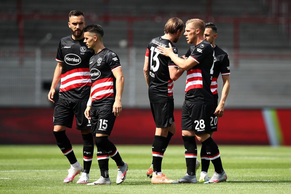 Fortuna Düsseldorf musste die Saisonvorbereitungen wegen Corona-Fällen bis auf Weiteres unterbrechen. (Archivfoto)