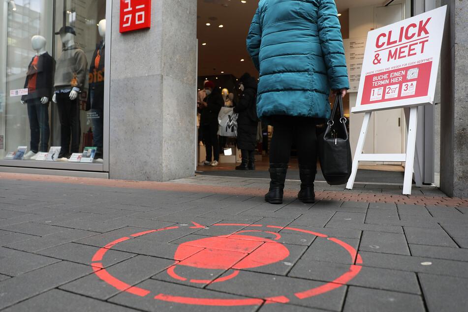 Viele Geschäfte in NRW haben die Option eines Einkaufs vor Ort mit einem negativen Corona-Test bereits wieder angeschafft.