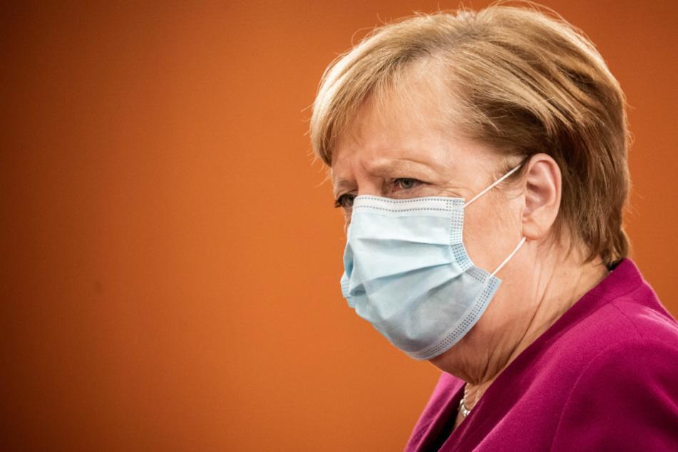 Bundeskanzlerin Angela Merkel (CDU), kommt zur Sitzung des Bundeskabinetts im Kanzleramt.