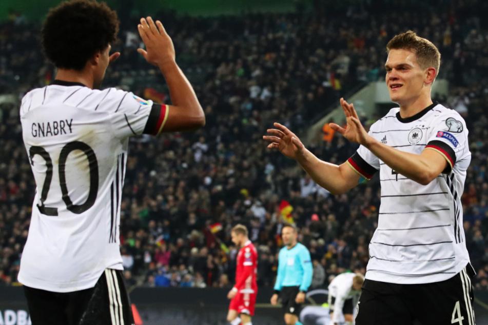 Deutscher Nationalspieler bei drei internationalen Spitzenklubs auf dem Zettel!