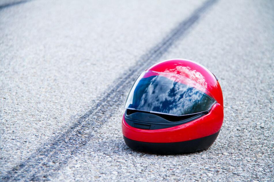 Der 62-Jährige stieß seitlich mit einem Kawasaki-Fahrer zusammen, der über die Straße rutschte. (Symbolfoto)