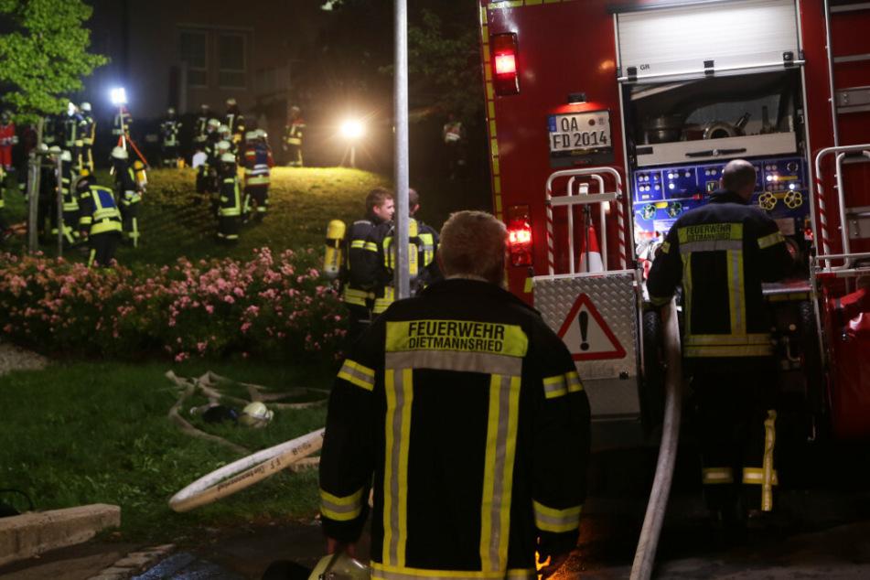 Bei einem Brand in einem Seniorenheim in Schwaben sind im Freistaat Bayern mindestens vier Menschen verletzt worden.