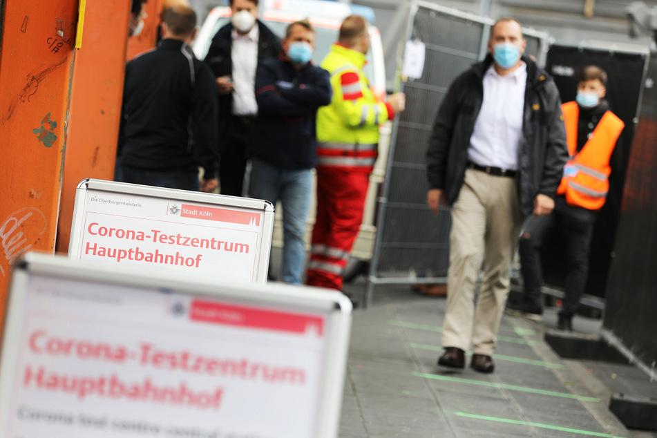 Das Corona-Testzentrum in der Nähe des Kölner Hauptbahnhofs ist täglich von 7 Uhr bis 23 Uhr geöffnet.