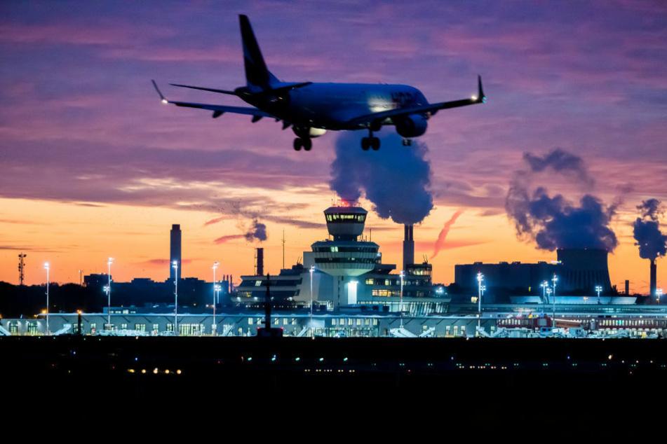 Berlin: Berliner nehmen Abschied: Letzter Betriebstag für den Flughafen Tegel