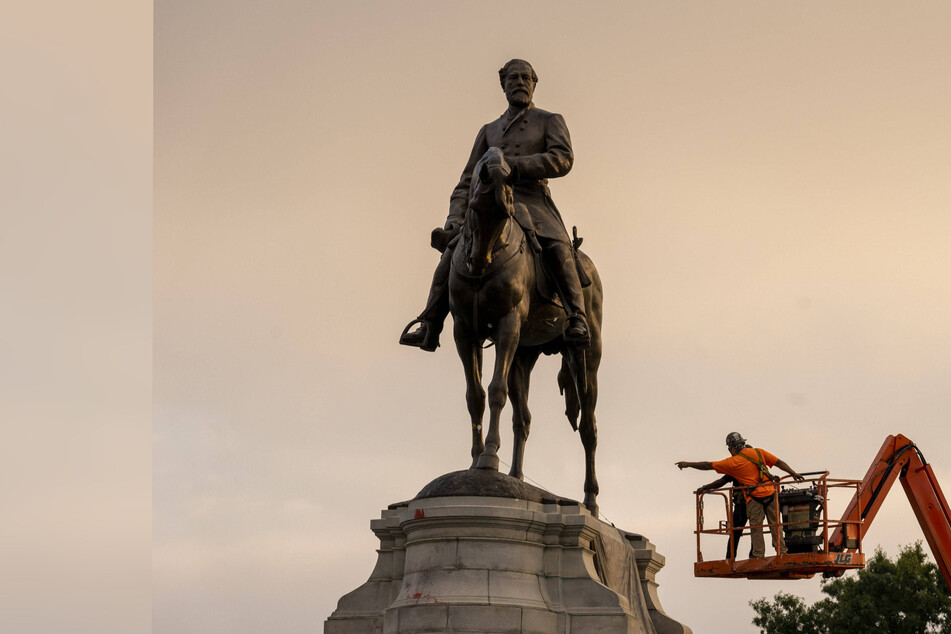 Richmond's Confederate statue of Robert E. Lee removed in wake of Black Lives Matter reckoning